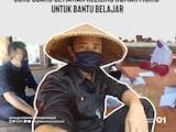 Gambar sampul Ujang Setiawan, Guru yang Keliling Rumah Murid untuk Bantu Belajar