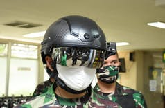 Antisipasi Covid-19, Helm Canggih TNI Deteksi Suhu Tubuh Jarak 10 Meter