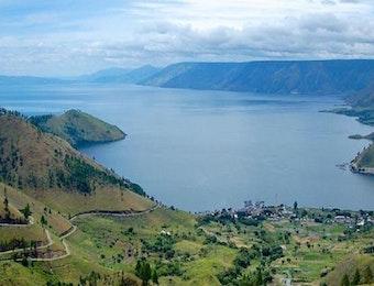 Nikmati Indahnya Danau Toba di Desa Tongging