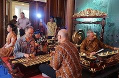 Sudut Seni-Budaya Sunda Kini Hadir di Inggris