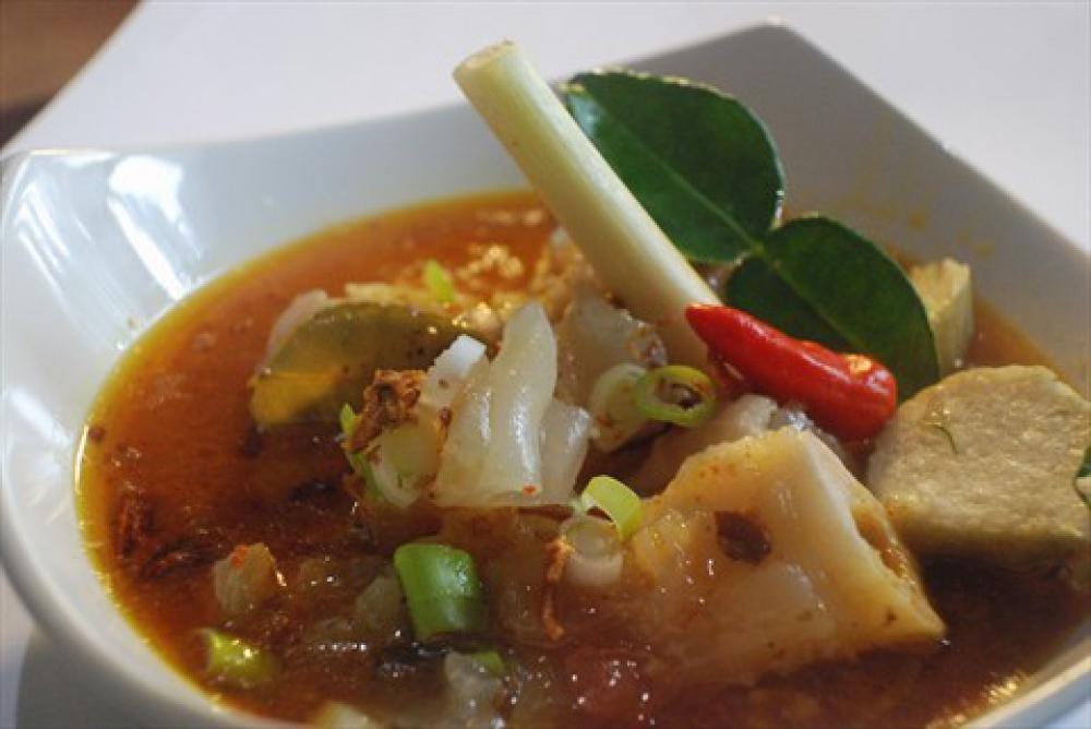 10 Makanan Khas Indonesia Yang Paling Nikmat Dimakan Langsung Di