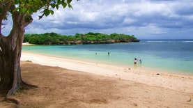10 Pantai Terbaik di Indonesia versi Travelers' Choice