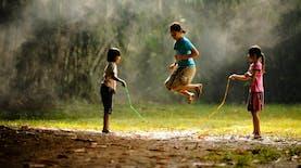 10 Permainan Tradisional Indonesia yang Dulu Populer. Mana Favoritmu?