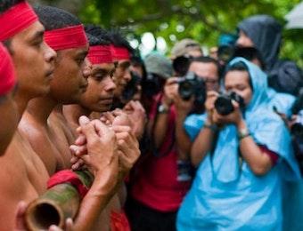 Dari Tari Lenso Yang Indah Hingga Bambu Gila Yang Menegangkan, Inilah 5 Tari Tradisional Khas Maluku