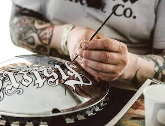 Usung Budaya Indonesia lewat Trend Pinstripe