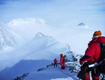 Ini Dia, Pendaki Perempuan Indonesia Pertama yang Capai Puncak Tertinggi Antartika