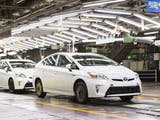 Gambar sampul Mobil-Mobil Produksi Indonesia Laris Manis di Luar Negeri