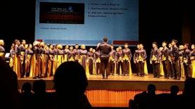 Selamat! Paduan Suara SMAN 15 Surabaya Berjaya di Italia