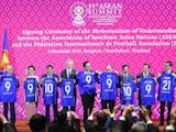 Gambar sampul Presiden Jokowi Dapat Jersey Nomor 21 dari FIFA, Ini Alasannya