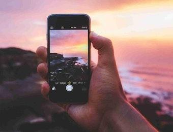 Lestarikan Budaya Menggunakan Handphonemu