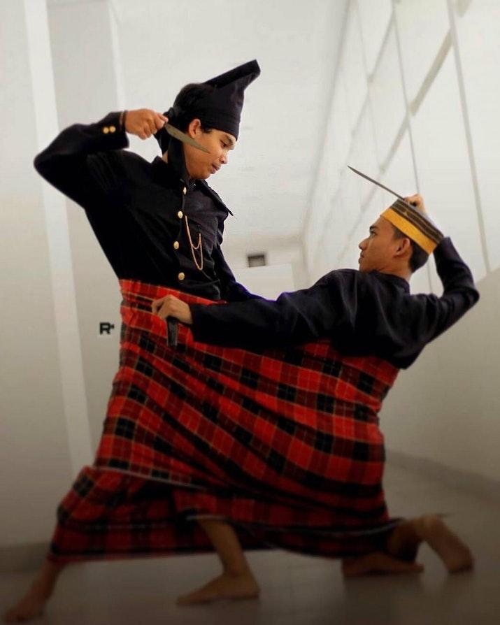 Tradisi Bertarung dalam Sarung asal Sulawesi Selatan