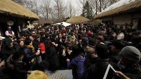 Warga Jeju Korea Menyerbu Stan Indonesia. Kenapa?