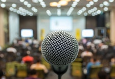3 Tips Public Speaking Agar Anak Anda Makin Percaya Diri