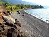 Gambar sampul Sensasi Berendam Air Panas di Pasir Pantai Kawaliwu