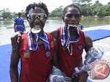 Gambar sampul PON XIX Jawa Barat : 3 Dara Papua Peraih Medali Cabor Dayung