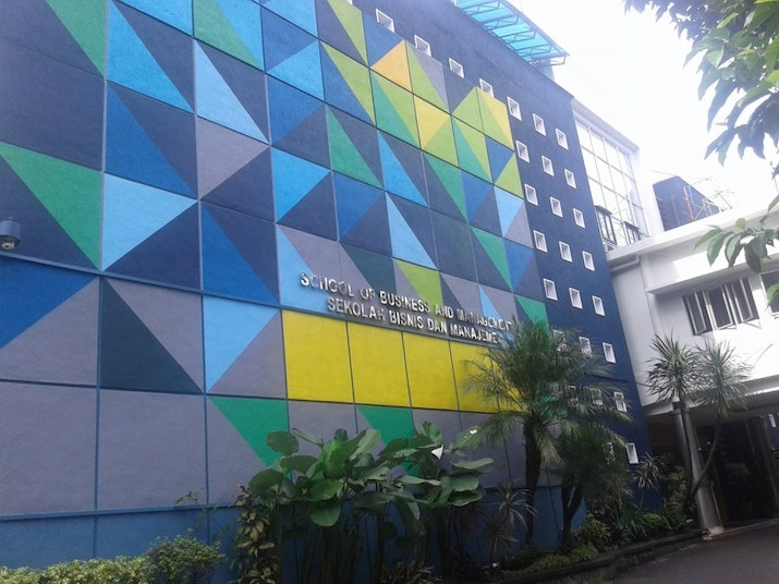 Kampus Bisnis ITB Raih The Best Business School dari UK