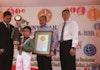 Pecahkan Rekor Indonesia, LEPRID Beri Penghargaan Kepada Pecatur Indonesia