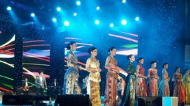 Finalis Miss Jakarta Fair Kenakan Kebaya Sinden OVJ