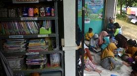 Pasangan Suami Istri di Kota Malang Ini Ubah Garasi dan Teras Rumahnya Jadi Perpustakaan Komunitas