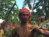 Gambar sampul Suku Naulu, Ritual Pengasingan Wanita dan Penggal Kepala sebagai Mas Kawin