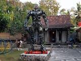 Gambar sampul Ubah Motor Bekas Jadi Robot, Karya Seniman Asal Bantul Laris Manis Diburu Pebisnis China