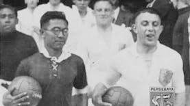 Dari Annibale Frossi hingga Edgar Davids dan Achmad Nawir, Pesepakbola Pengguna Kacamata di Turnamen