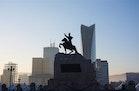 Perubahan Cepat dan Nostalgia Masa Lalu di Kota 'Pahlawan Merah'