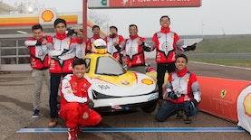 Kala Mobil Listrik  Karya Anak Bangsa Cicipi Lintasan Sirkuit Ferrari