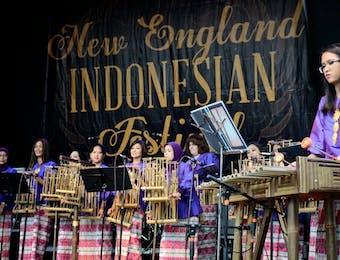 Ribuan Orang Menikmati Indonesia di Boston