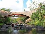 Gambar sampul Wow Sekolah Alam ini Sepenuhnya Terbuat dari Bambu!