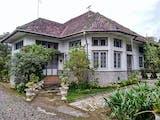 Gambar sampul Arsitektur Indische Empire Style, Alasan Rumah Belanda Terasa Sejuk di Udara Tropis