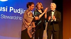 Menteri Susi Raih Penghargaan Maritim Tertinggi Dunia. Selamat!