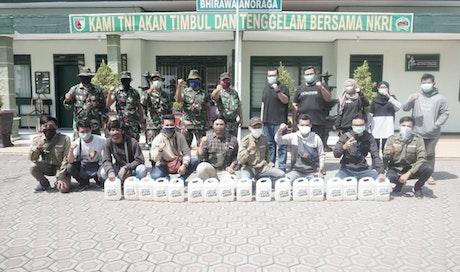 Bersama TNI Gerakan #IkutBantu Lawan Covid-19 Lakukan Penyemprotan Desinfektan