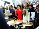 Gambar sampul Pemegang Rekor Guinness Asal Indonesia Ramaikan Final Piala Dunia Dengan Bermain Drum 24 Jam