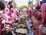 Intip Tradisi Makan Bersama dari Berbagai Daerah Indonesia