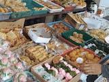 Gambar sampul Sekilas Mirip, Putu Bambu dan Dodongkal Jajanan Pasar yang Manis Nan Gurih