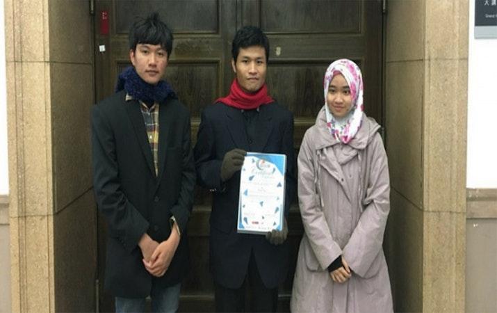 Tinta Bercahaya Karya Mahasiswa Universitas Brawijaya