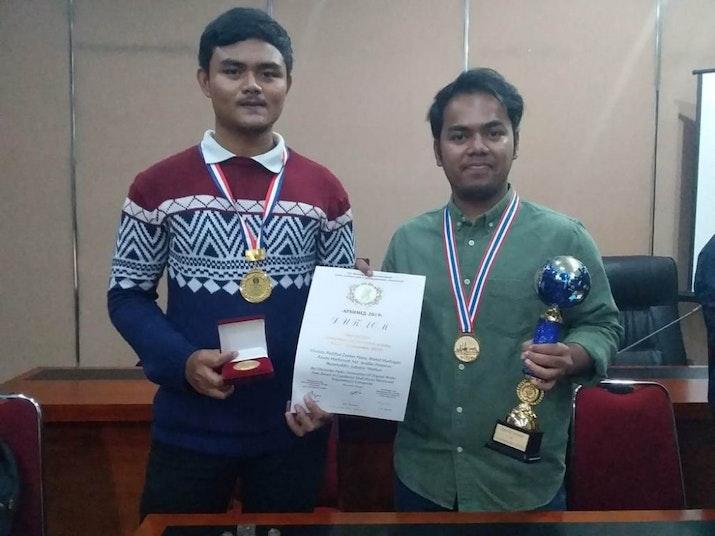 Ciptakan Bantalan Rem Ramah Lingkungan, 2 Mahasiswa USU Ini Raih Medali dan Piala
