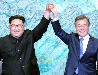 Penghargaan Terhadap Kedua Pemimpin Korea; Kim dan Moon Adalah Bukti Indonesia Cinta Damai