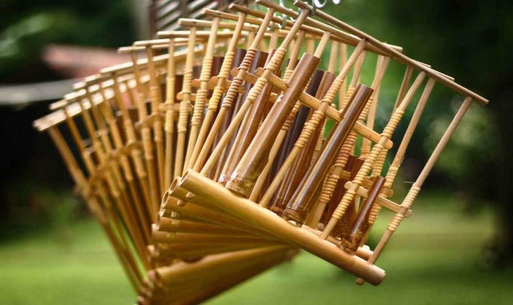 Hasil gambar untuk jenis bambu sebagai alat musik