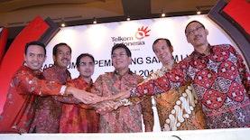 Direktur Utama PT Telkom Dinobatkan Sebagai Spoke Person of the Year 2017