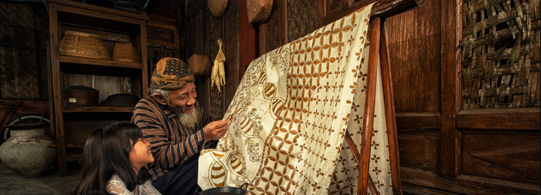 Gambar sampul Mengenal Alat Pembuatan Batik Tulis, Lestarikan Tradisi Indonesia!
