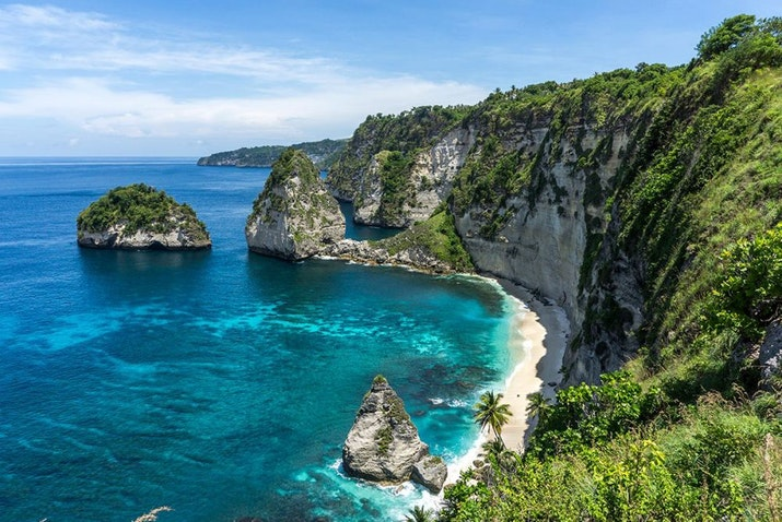 Viralkan Youtube. Netizen Indonesia ramai-ramai menantang vlogger dunia mengulas Wonderful Indonesia.