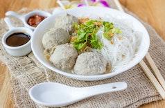 Fantastis! 10 Makanan Indonesia Ini Mahal di Luar Negeri!