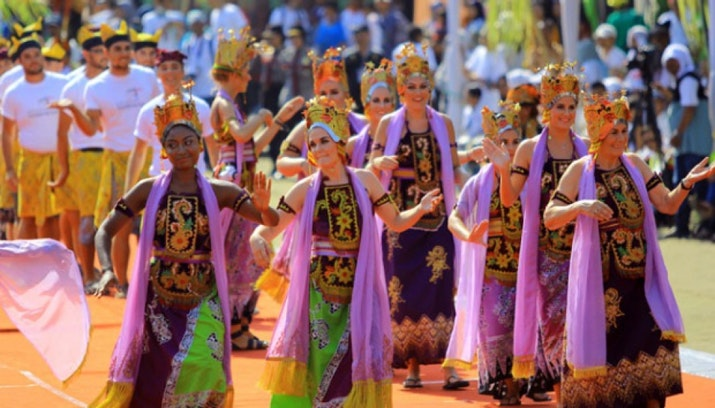 Banyuwangi Ethno Carnival: Jembatan Tradisi dan Modernitas