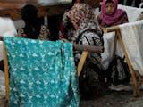 Gambar sampul Kampung Batik Kauman, Bersejarah, Ikonik, dan kini Digital
