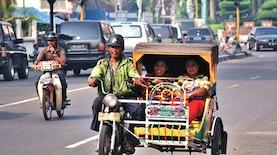 UHN Medan dan PLN Luncurkan Kendaraan Hijau di Sumatra Utara