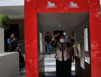 Cegah Corona, Pemkot Surabaya Kembangkan Bilik Sterilisasi