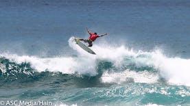 Ombak Pantai Bo'a, Rebutan Para Peselancar Dunia