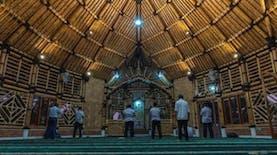 Masjid Saka Bu'ana Masjid Bambu Terbesar Di Indonesia